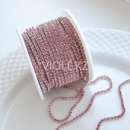 Стразовая цепь розовая, оправа серебро 2 мм.