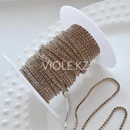 Стразовая цепь коричневая, оправа серебро 1,5 мм.